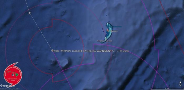 Cliquez sur l'image.Le cyclone intense passe à un peu plus de 110km des îles de Saint Brandon ou les conditions sont cycloniques.