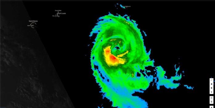 """Photo satellite à 15h. CiILIDA a encore """"belle"""" allure. Le cyclone va toutefois évoluer sur des eaux de plus en plus fraîches à présent."""