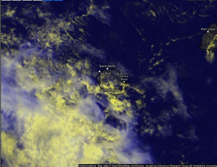 Cliquez sur l'image.Zoom sur la Réunion à 14h15. Les nuages sont en majorité au large actuellement.