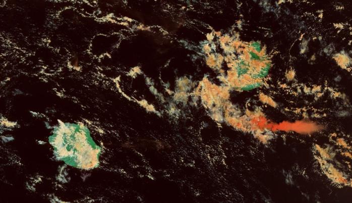 Les Iles Soeurs capturées par le satellite Modis/Terra à 10h20. Beaucoup plus de nuages dans le voisinage de Maurice. Evolution diurne classique sur la Réunion.