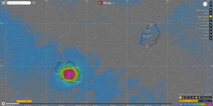 Simulation du modèle européen pour la fin de l'après midi. Risque pluvio-orageux pour une large moitié sud de l'intérieur de la Réunion. Pas de signal pour Maurice mais des averses ponctuelles et localisées probables.