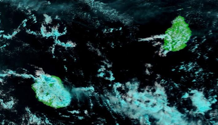 A 11h le satelite Terra montre déjà une évolution dirune localement marquée sur la Réunion.