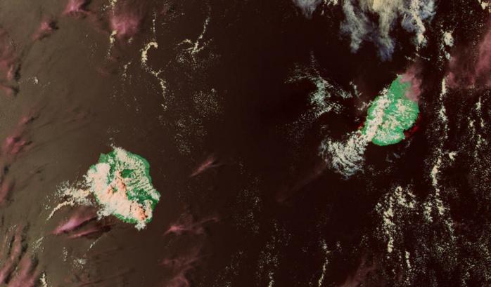 NPP à 13h54 montre de beaux développements convectifs localement sur la Réunion mais seule la région de la Plaine des Cafres sera douchée. Notez le contraste entre la moitié sud ouest et le nord et l'est.