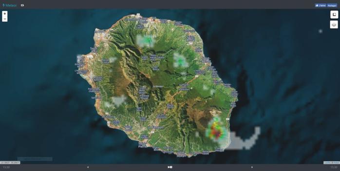 15h30. Image radar Météo France Réunion travaillée par Meteoi.re