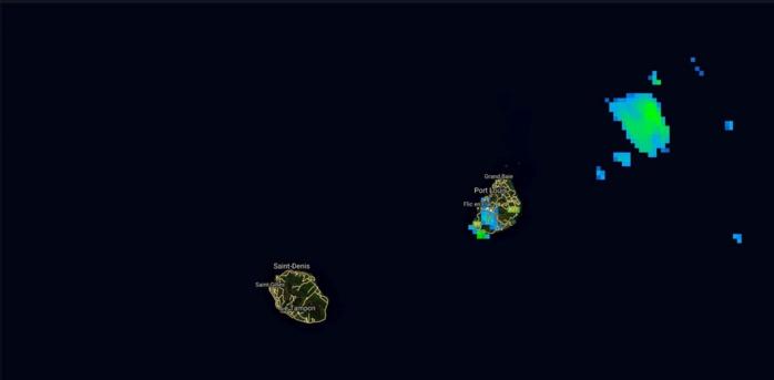 13h: activité dans la région du Morne, Tamarin et à l'ouest de Souillac à Maurice.