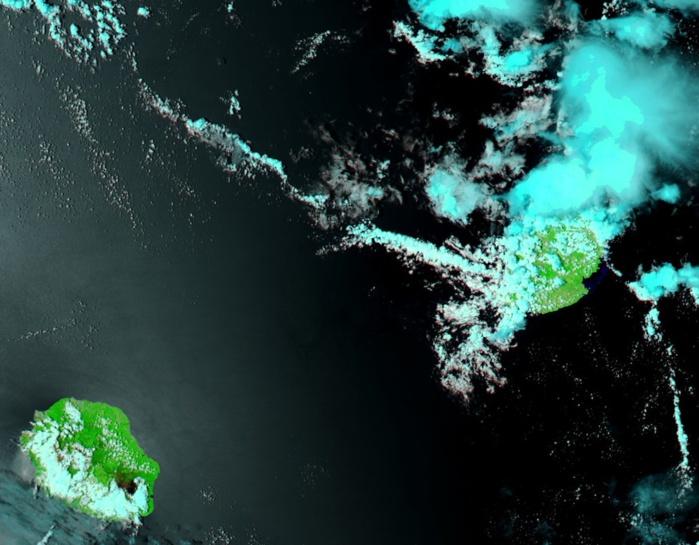 Aqua à 14h: les averses orageuses touchent le nord et le nord ouest de Maurice. La Réunion jouit du beau temps.