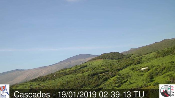 Les flancs est du volcan réunionnais dépourvus du moindre nuage ce qui n'est pas si fréqent que cela. Crédit http://www.meteo-reunion.com/