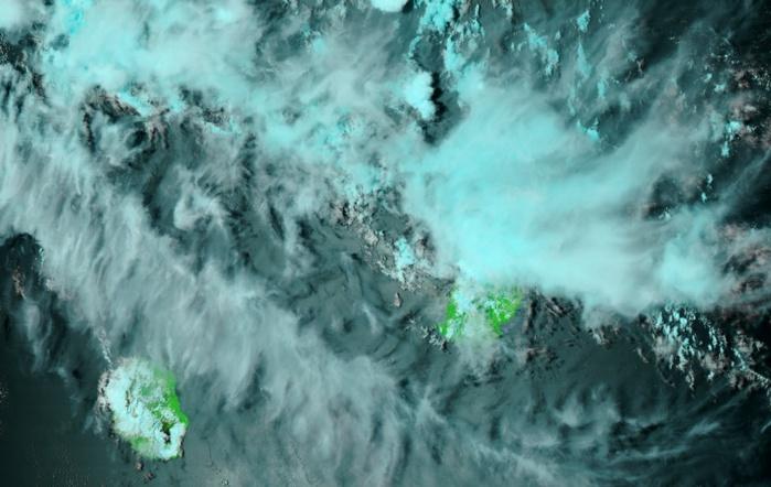 Noaa20 à 13h40. Le nord de Maurice sous les averses. Bancs de nuages élevés au nord de la Réunion.