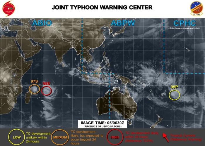 Le JTWC vient de passer 97S en medium car les chances de la voir s'intensifier en dépression tropicale ont augmenté.