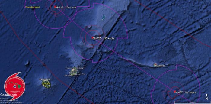 Prévisions de trajectoire et d'intensité du JTWC. GELENA pourrait s'intensifier considérabelement ces deux prochains jours.