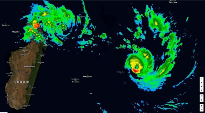 GELENA(13S) et FUNANI(12S) à 08h ce matin. FUNANI passe à 240km de Rodrigues en l'épargnant.