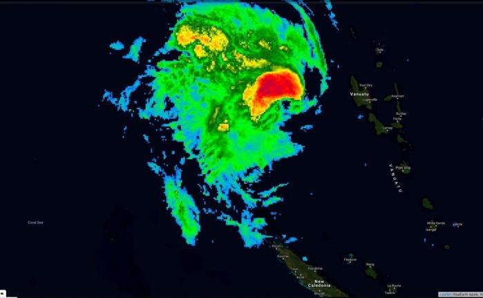OMA capturée par le satellite géostationnaire japonais à 00h/Nouméa.