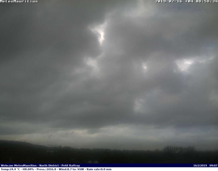 Ciel du Petit Raffray/Maurice ce matin à 09h. Crédit image: http://www.meteomauritius.altervista.org
