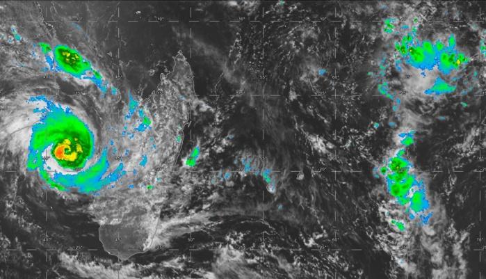 Satellite centré sur la zone à 14heures. A gauche de l'image le cyclone tropical IDAI(18S).