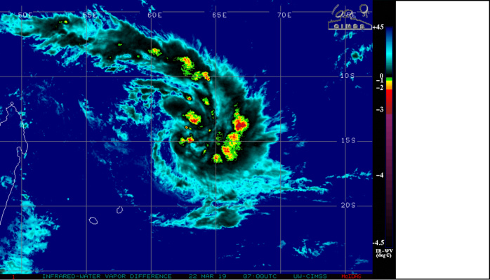 07UTC. LARGE SYSTEM SLOWLY INTENSIFYING UP TO NOW