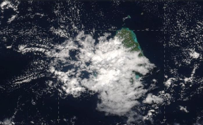 14h06: zoom sur Maurice. Les îles du nord et le nord est sous le soleil.