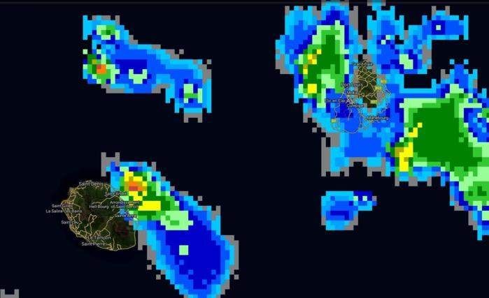 12h45: les nuages les plus actifs se trouvent à proximité des côtes est et nord-est de la Réunion