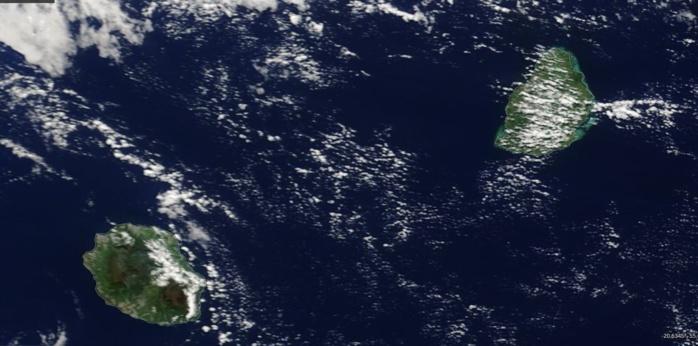 ILES SOEURS vues par le satellite Terra à 10heures ce matin. NASA