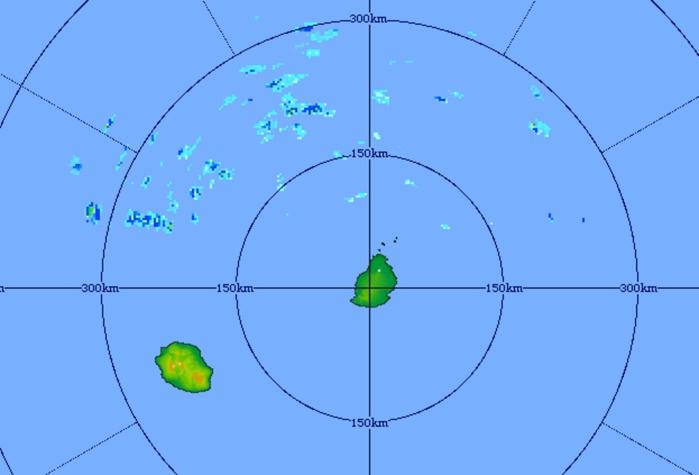 Image du radar de Trou Aux Cerfs à 11h31. Les nuages porteurs d'averses circulent au nord des Iles Soeurs. Crédit image: MMS