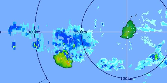 9h11: image radar de Trou Aux Cerfs. Des cellules pluvio-orageuses actives touchent le nord et le nord-est de la Réunion. Crédit image: MMS