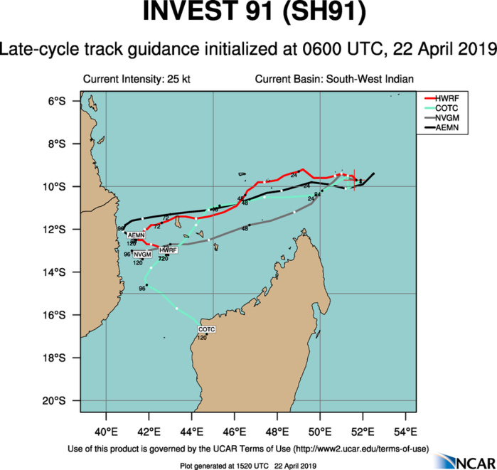 15UTC: INVEST 91S is likely to intensify next 24hours north of Madagascar