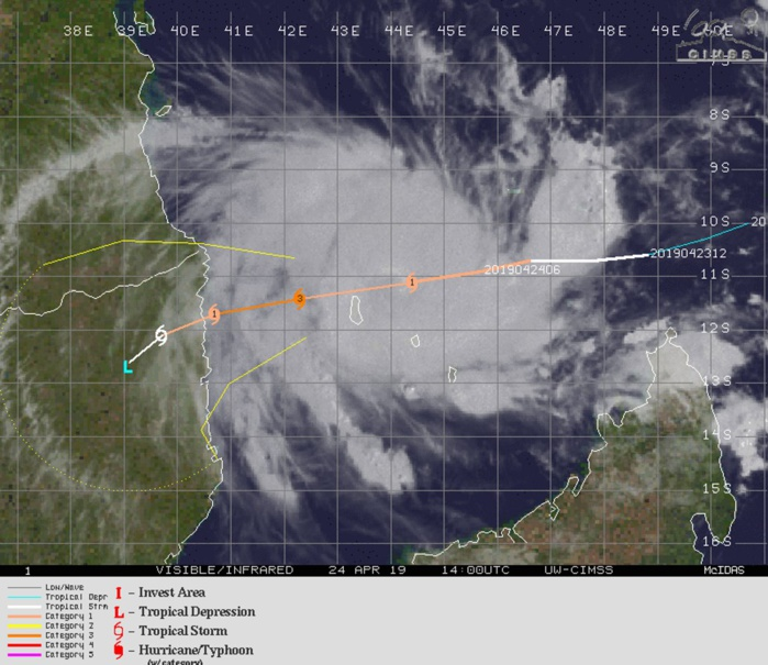 15UTC: TC KENNETH(24S) category 1 US, intensifying and tracking very close to Grande Comore within the next 6/12hours