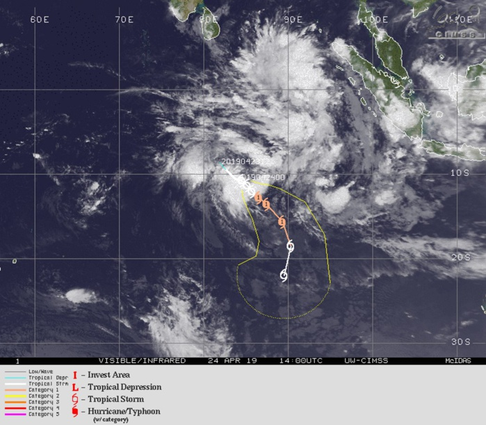 15UTC: TC LORNA(25S) forecast to intensify to category 1 US in 36hours with some interaction with developing 92S possible in 72h