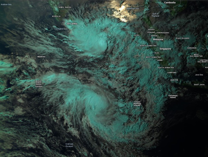 0930UTC: INVEST 91B TO THE NORTH OF THE EQUATOR AND TC 25S TO THE SOUTH