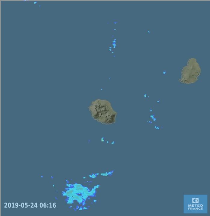 06h15: radars de Météo France. Les pluies potentielles sont bien au sud de la REUNION.