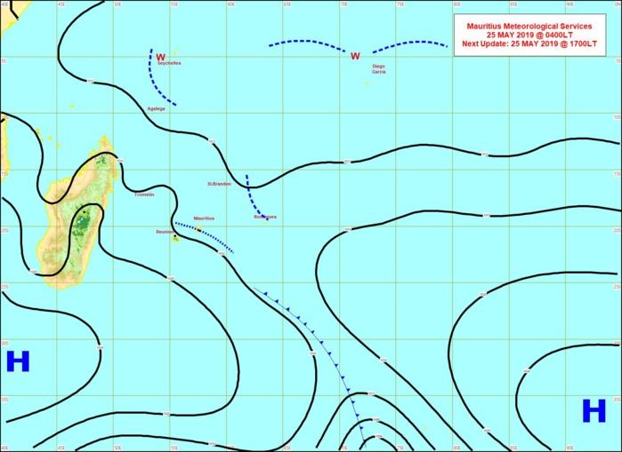 Situation en surface. Analyse de MMS à 4heures ce matin. L'anticyclone au sud de MADA évolue peu. Limite frontale très atténuée à proximité de MAURICE. Vents de sud-est s'établissant sur les Iles Soeurs. Une ligne d'instabilité se trouve a proximité de RODRIGUES.