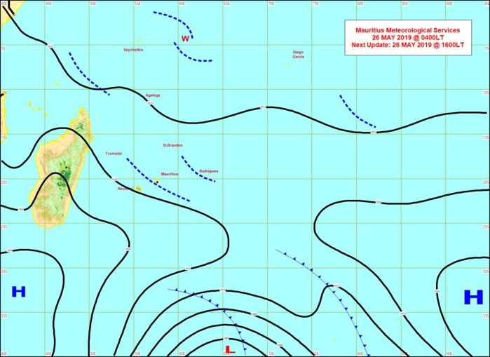 Analyse de la situation en surface, carte établie à 4heures ce matin. Depuis ces dernières 48heures l'anticyclone situé au sud de MADA a peu évolué. MMS.