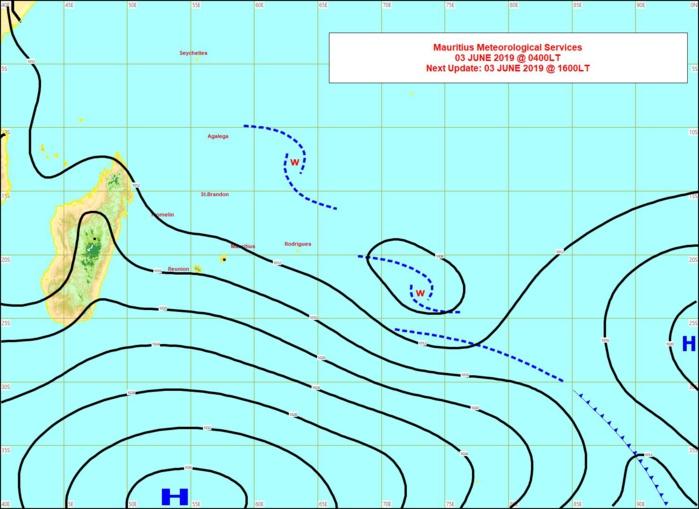 Analyse de la situation en surface à 4heures ce matin. L'anticylone(H) influence le temps sur notre région. Eléments marquants: vent et houle. MMS