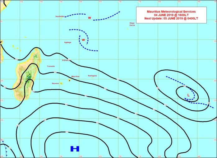 Analyse de la situation en surface à 16heures cet après midi.L'anticylone(H) est toujours positionné au sud des Mascareignes. MMS