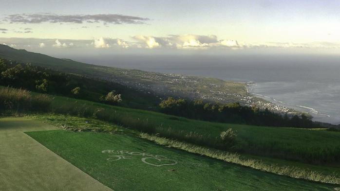 08h: vue toujours aussi saisissante sur Saint Leu depuis Colimaçons. Météo Réunion.