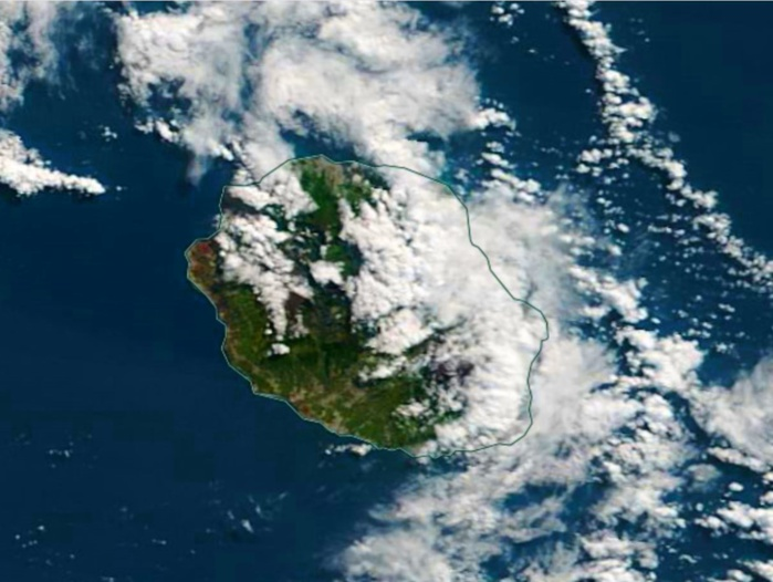 La REUNION capturée par le satellite Terra ce matin à 10h45. NASA US