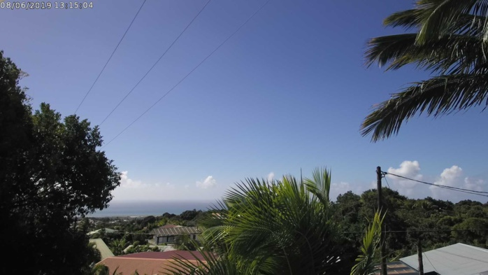13h15: le beau ciel du nord de l'île. CYCLOTROPIC