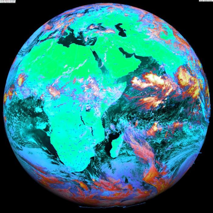 13heures: le globe Météosat. Une perturbation tropicale est suivie sur le Nord Indien sur la Mer d'Arabie. Suivi ici: https://www.meteo974.re/M974World_r7.html. Image KOBUS/PH