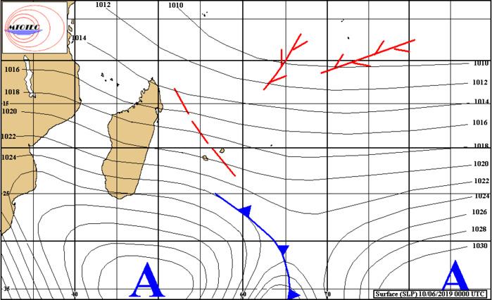 Analyse de la situation de surface tôt ce matin. Anticyclone(1036hpa) au sud sud-ouest des Mascareignes. MTOTEC
