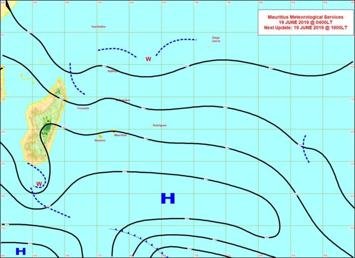 Analyse de la situation de surface ce matin. L'anticyclone(H) actuellement loin au sud de MADA se rapproche de nos régions. Les vents vont se renforcer à partir de demain. MMS
