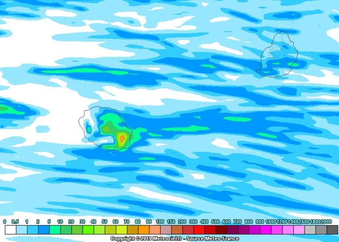 REUNION: l'alizé souffle avec de fortes rafales et il est humide au volcan et sur l'Est
