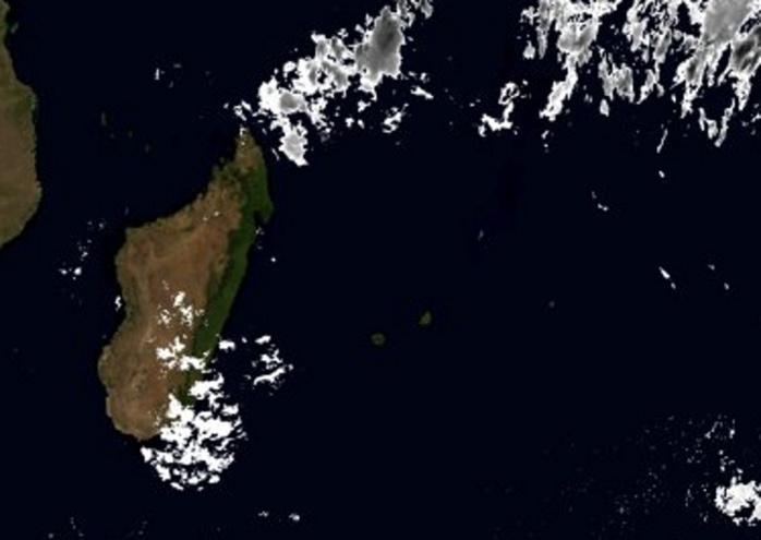 Image Météosat de 05heures. Pas de nuages actifs à proximité des Iles Soeurs. ABANKS