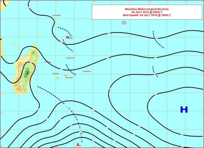 Analyse de la situation de surface ce matin. Un peu d'instabliité à l'Est de MAURICE. MMS