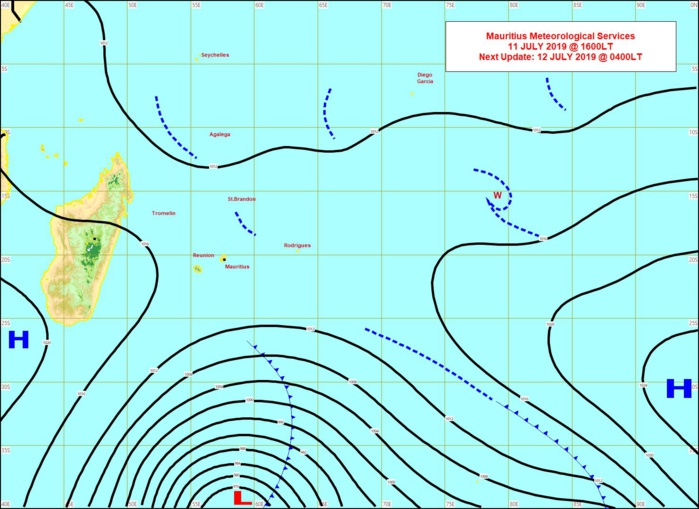 Analyse de la situation de surface cet après midi. Une tempête extra-tropicale(968hpa) évolue à un peu plus de 2000km au Sud des Iles Soeurs. MMS