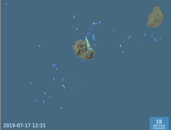 12h31: des bandes faiblement pluvieuses touchent épisodiquement l'Est et le Nord-Est. Radars. METEO FRANCE 12h31: des bandes faiblement pluvieuses touchent épisodiquement l'Est et le Nord-Est. Radars. METEO FRANCE