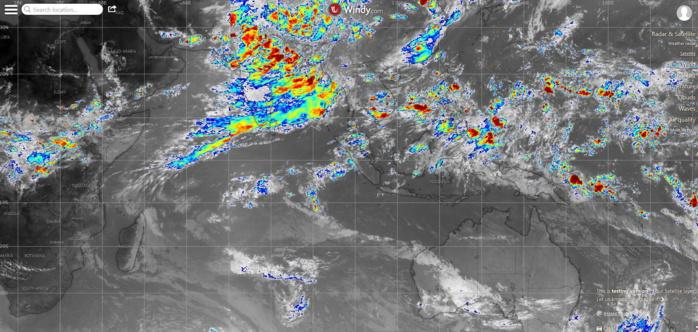 17h40. Océans Indien et Pacifique. Sur l'Indien la mousson est active sur la Grande Péninsule alors que les typhons(=cyclones) restent anormalement discrets sur le Pacifique pour le moment.