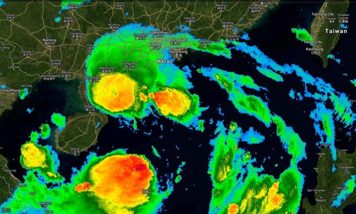 13h Temps Universel: la tempête tropical Wipha(08W) se trouve au Sud-Ouest des villes de Macao et de Hong Kong.