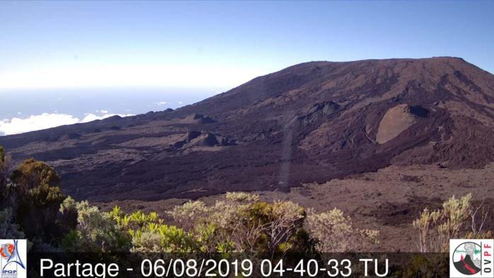 8h40: soleil sans rival au volcan ce matin. METEO REUNION