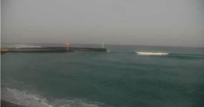 Prévisions: la houle grossit cet après midi et atteint son pic sur les côtes Ouest et Sud dans la nuit de Dimanche à Lundi. METEO REUNION