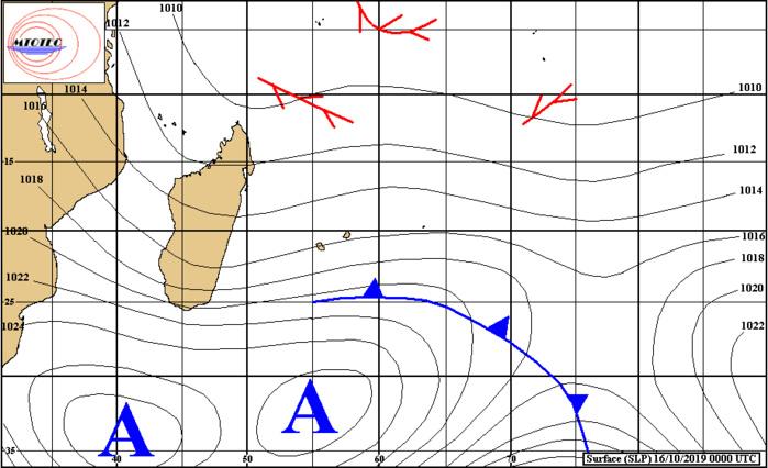 Le front froid atténué passe rapidement alors que l'anticyclone renforce l'alizé jusqu'à vendredi inclus. MTOTEC