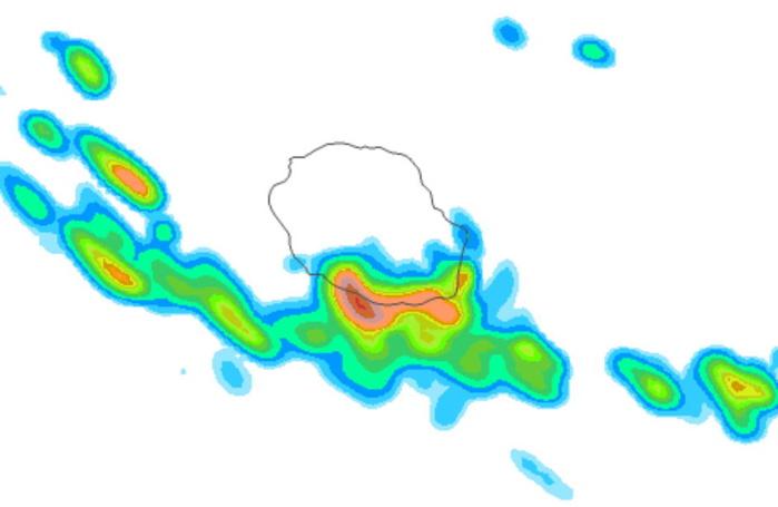 Des averses touchent le Sud de l'île en seconde partie de nuit. Arome.MCIEL.METEO FRANCE.